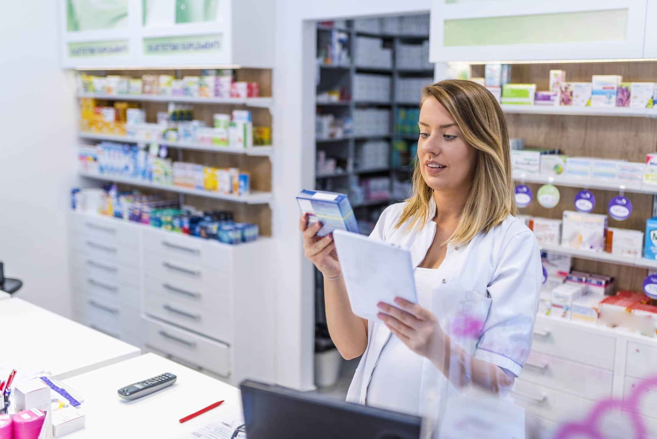 Bahr's Pharmacy logo