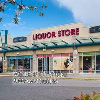 The Landing Liquor Store logo